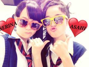 little glee monster serina y asahi